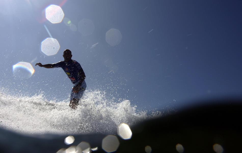 Сёрфинг или влюбленные в волны